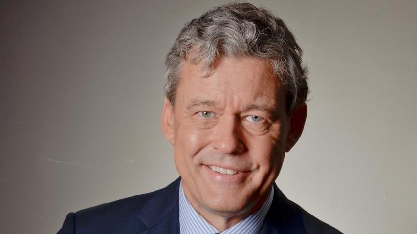 Meer informatie over dagvoorzitter Charles Groenhuijsen